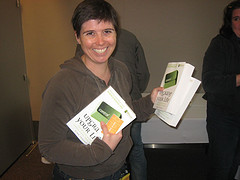 Gina Trapani of Lifehacker with her new book in hand!