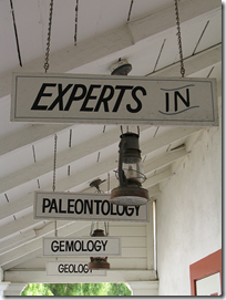 experts_signs